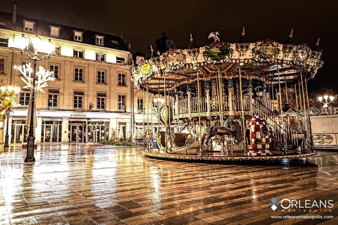 Carrousel de la place du Martroi Orléans by Night