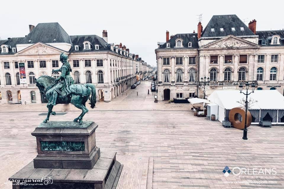 Statue de Jeanne d'Arc place du Martroi Orléans