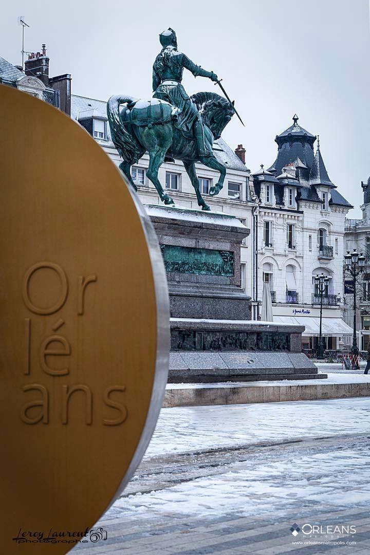 Neige sur la Statue de Jeanne d'Arc Orléans