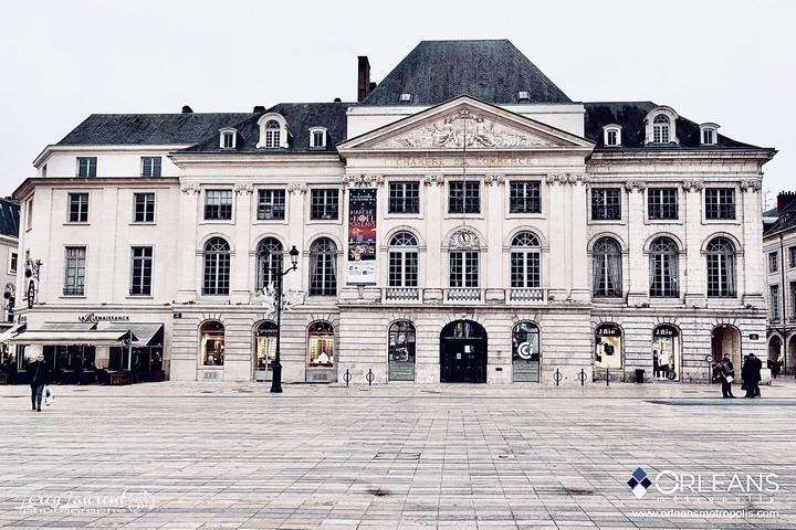 Chambre du commerce place du Martroi Orléans