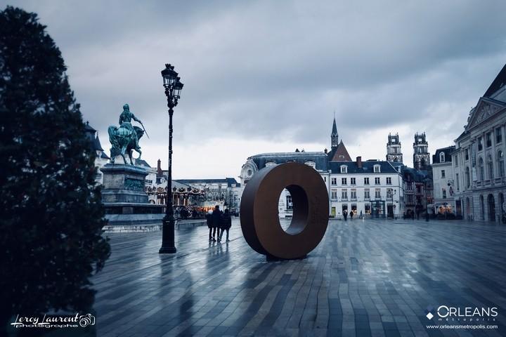 Place du martroi Orléans Statue Jeanne d'Arc