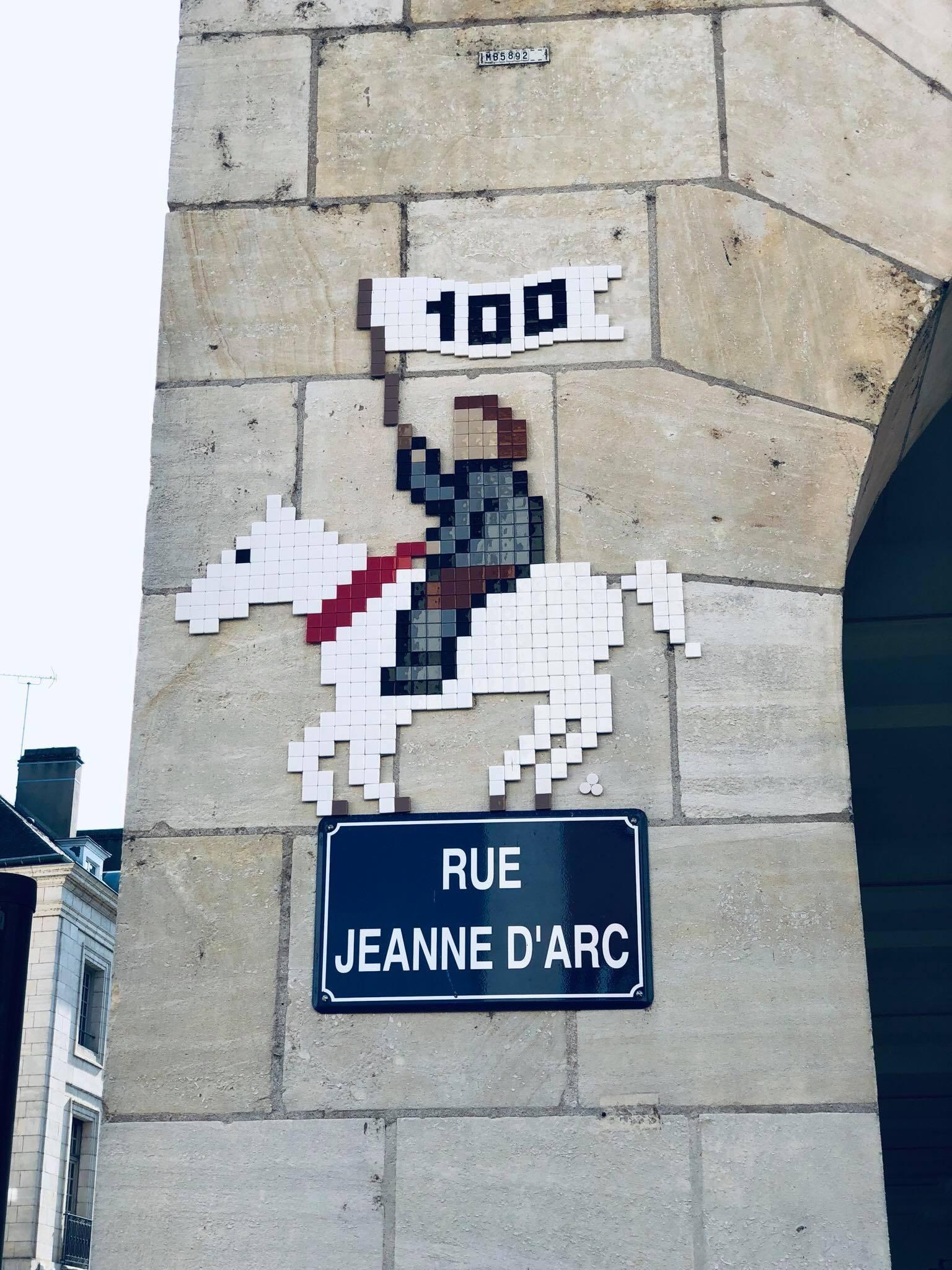 Rue Jeanne d'Arc Street Art de Mifa Mosa à Orléans