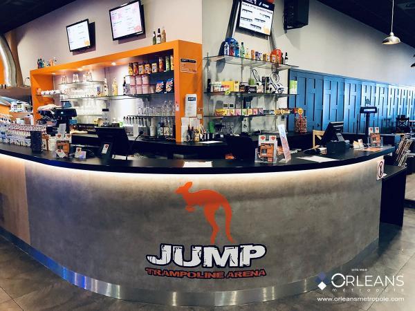 Jump trampoline arena